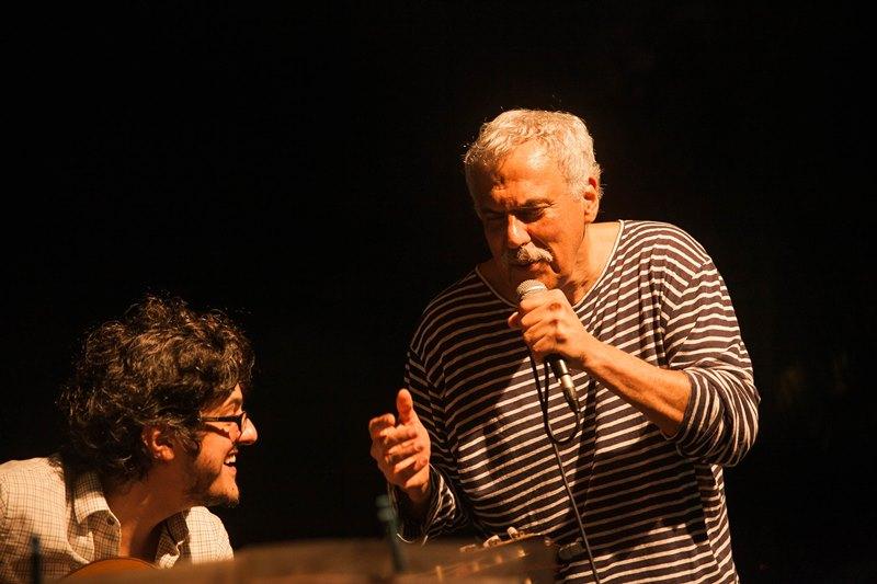 Com o violonista André Siqueira, durante o show na Ponta do Bonfim. Foto: Doriana Camello
