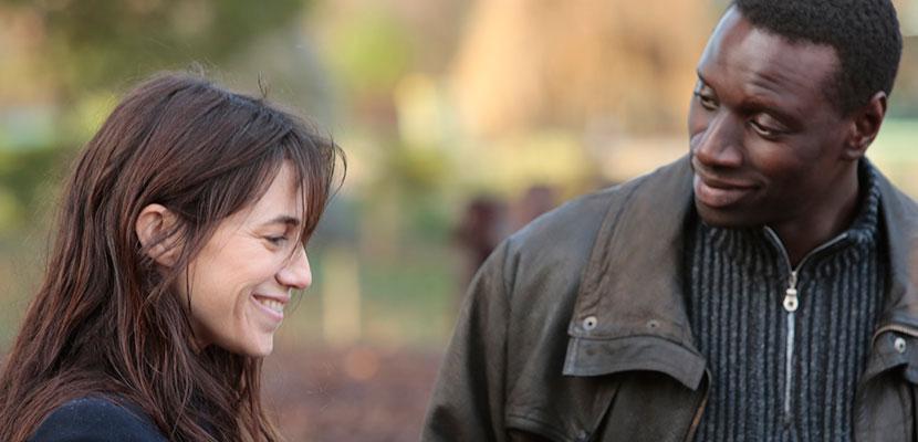 """Charlotte Gainsbourg e Omar Sy em cena de """"Samba"""", um dos destaques da programação. Reprodução"""