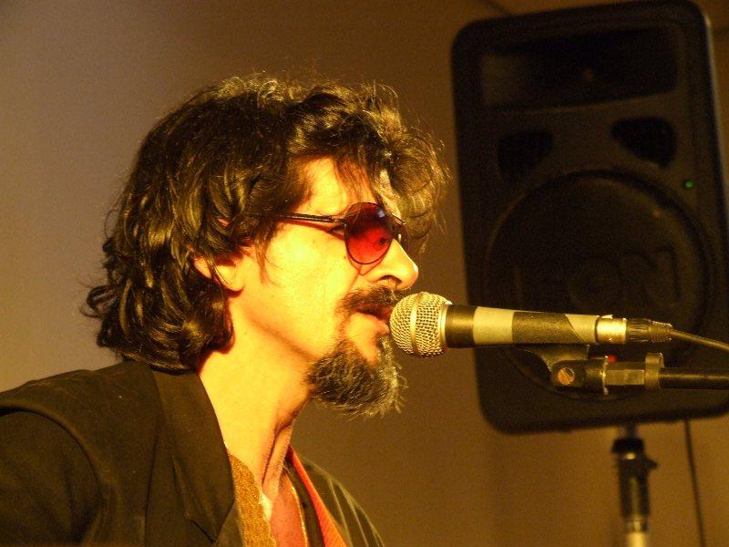 O cantor Wilson Zara em foto de seu fb