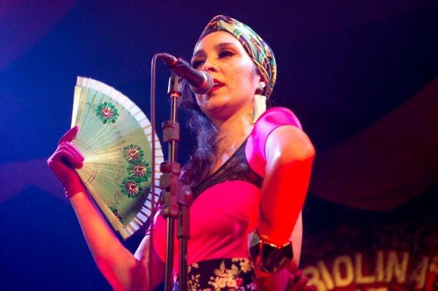 A cantora Luciana Simões. Foto: Renan Perobelli