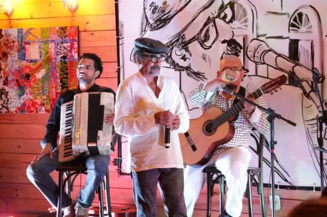 Joãozinho Ribeiro durante apresentação da temporada Milhões de Uns. Foto: Ton Bezerra