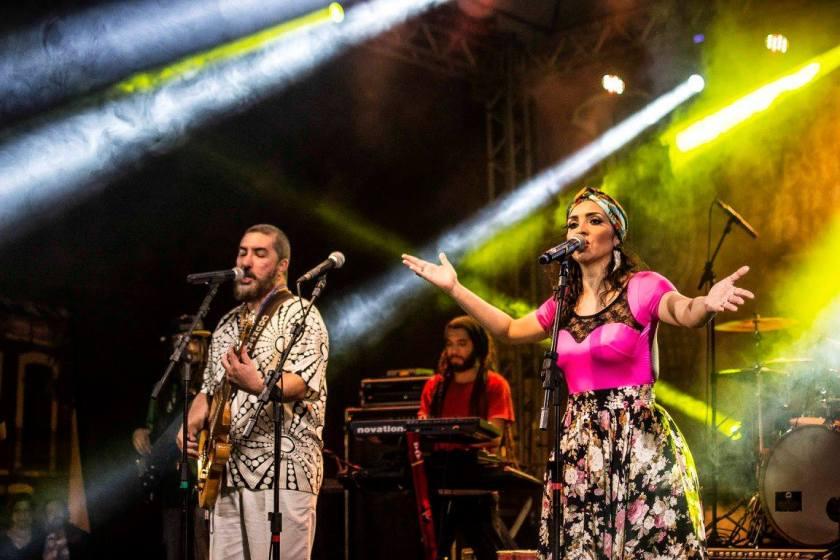 Idealizadores e produtores do BR135, Alê Muniz e Luciana Simões confraternizaram com a plateia. Foto: Projeto BR135