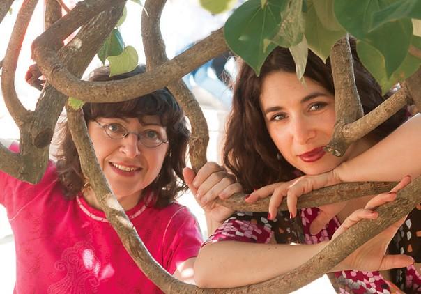 Verioca (de óculos) e Aurélie. Foto: José Feijó