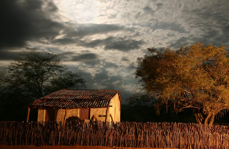 Casa de dona Jocosa. Na trilha do cangaço – o sertão que Lampião pisou. Márcio Vasconcelos. Reprodução