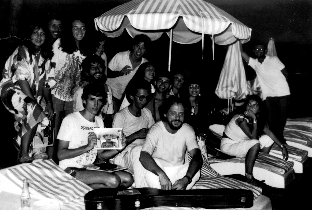 Galera Pária no antigo Hotel Quatro Rodas, em 1986. Foto: acervo Párias