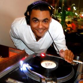 O requisitado e talentoso DJ Franklin. Foto: divulgação