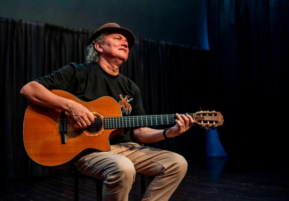 O cantor e compositor Gildomar Marinho. Foto: Rômulo Santos