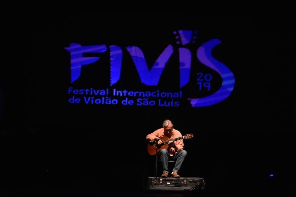 O violonista Turíbio Santos