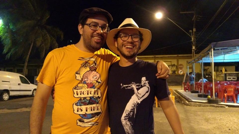 Com o amigo Igor de Sousa, o perro borracho DP. Foto: acervo pessoal