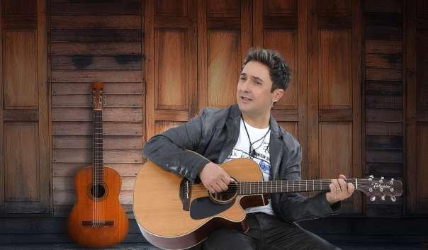 O cantor Tom Cleber. Foto: divulgação